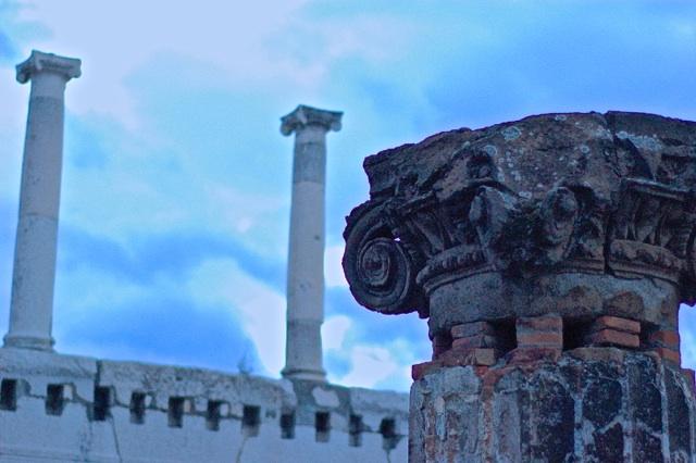 Trains, Pompeii, Mt. Vesuvius & Napoli's Erotic Secret