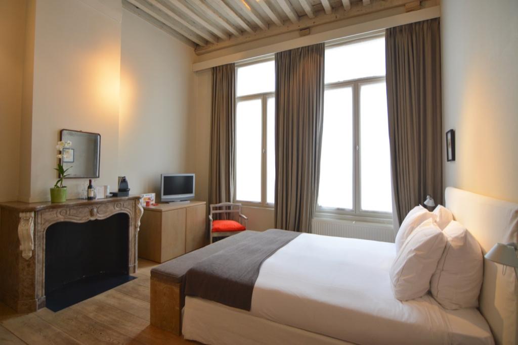 Hotel Julien_Leah Walker