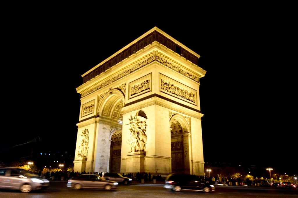 5 Ways to be a Better Tourist in Paris by Leah Walker10