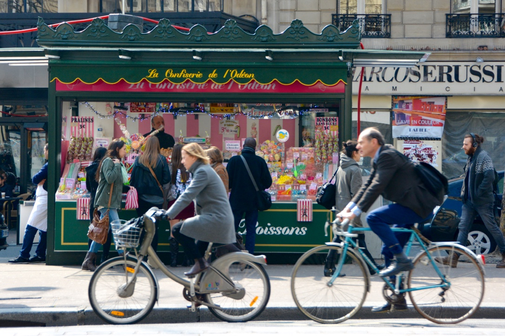 5 Ways to be a Better Tourist in Paris by Leah Walker11