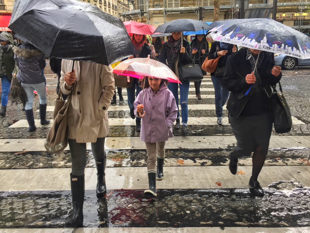 5 Ways to be a Better Tourist in Paris by Leah Walker2