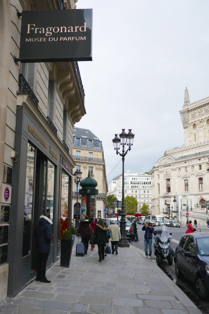 10-of-the-best-free-things-to-do-in-paris-by-leah-walker14