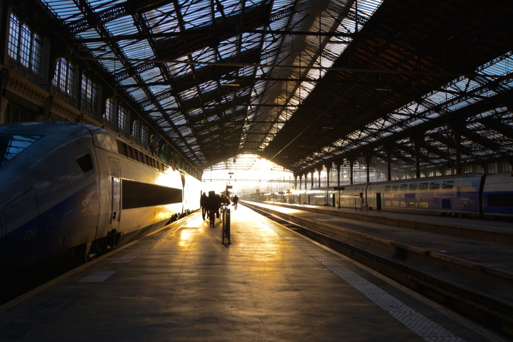 plane-train-or-bus-whats-the-best-way-to-travel-around-france-by-leah-walker2