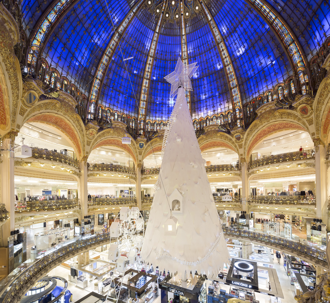 holiday-capsule-wardrobe-from-galeries-lafayette-by-leah-walker10