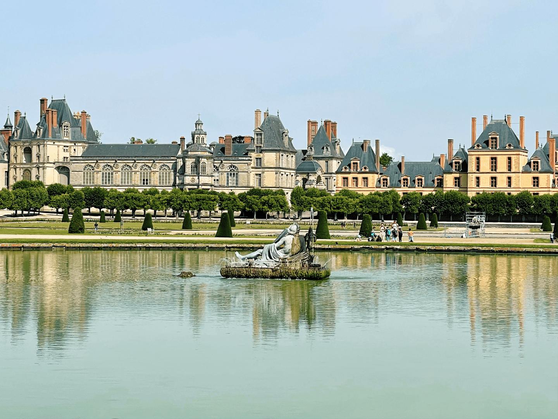 Château de Fontainebleau in summer