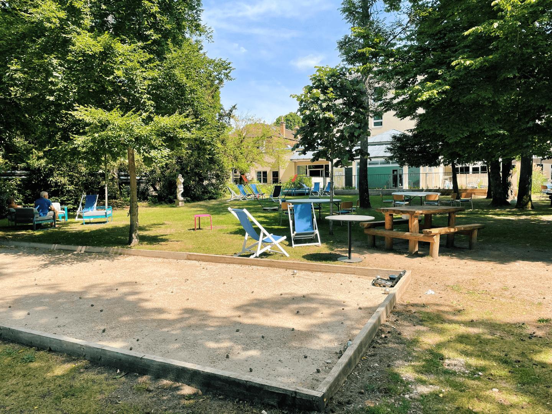 Demeure de Campagne Château de Fontainebleau petanque court